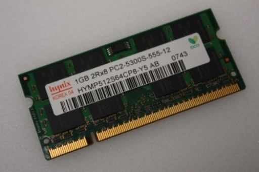 1GB Hynix HYMP512S64CP8-Y5 PC2-5300 667MHz DDR2 Sodimm Laptop Memory