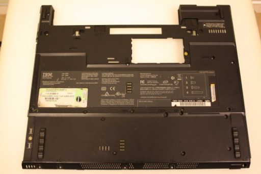IBM Lenovo ThinkPad T43 Bottom Lower Case 39T9649 26R9539