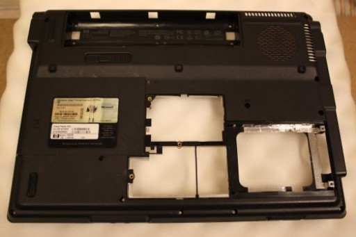 Compaq Presario F500 Bottom Lower Case 442890-001