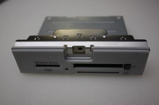 Sony Vaio PCV-2251 Card Reader