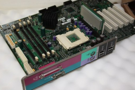 Dell Dimension 8100 Socket 423 RDRAM Motherboard 5E692 05E692Dell Dimension 8100 Socket 423 RDRAM Motherboard 5E692 05E692