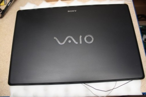 """Sony Vaio VGN-AW11Z 18.4"""" LCD Lid Cover 013-300A-8722-A"""