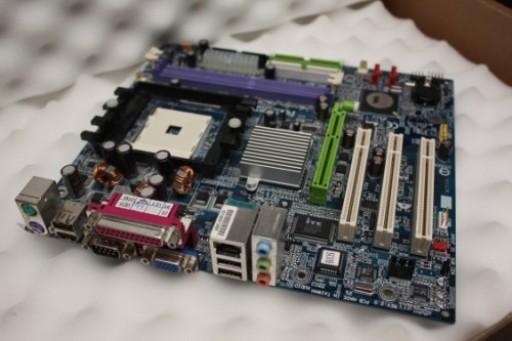 Gigabyte GA-K8VM800M Rev:2.0 Socket 754 Motherboard