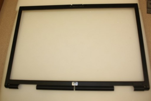 HP Pavilion dv8000 LCD Screen Bezel APZK3000500