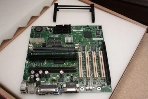 Intel E139761 718142-207 Slot 1 ISA Slot Motherboard