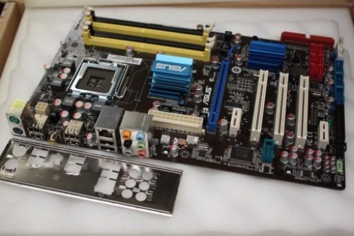 Asus P5QL PRO Socket LGA775 PCI-Express DDR2 Motherboard