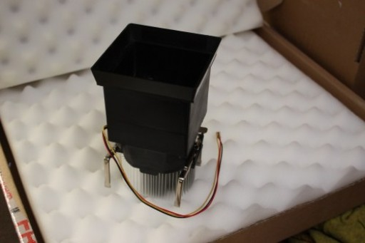 Fujitsu Siemens Scaleo P D1740 Socket 478 CPU Heatsink Fan Shroud