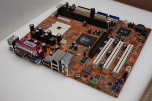 Leadtek WinFast 760M02-GX-6LRS Socket 754 SiS 760 AMD Athlon Sempron Motherboard