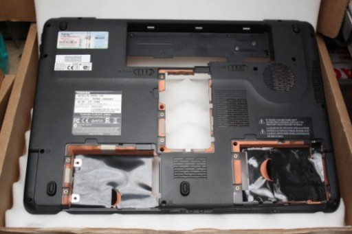 Toshiba Satallite P300D Bottom Lower Case EABD3001010