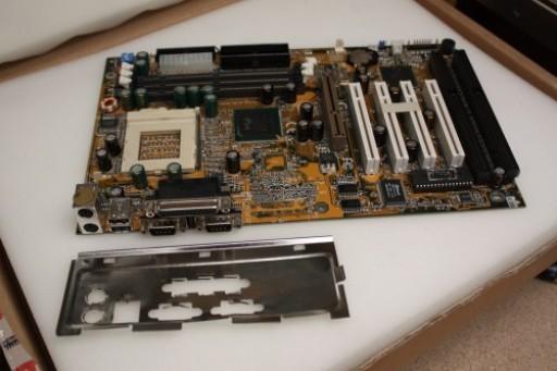 Gigabyte GA-6LX7 Socket 370 ATX Motherboard
