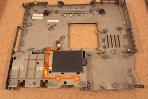Dell Latitude D400 Bottom Lower Case Touchpad Buttons 3U488