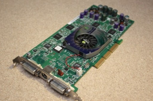 nVidia Quadro4 900 XGL 128MB DVI AGP Video Card 3N245