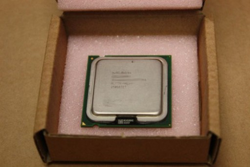 Intel Pentium 4 HT 515J 2.93GHz 533MHz 1M 775 CPU Processor SL85V