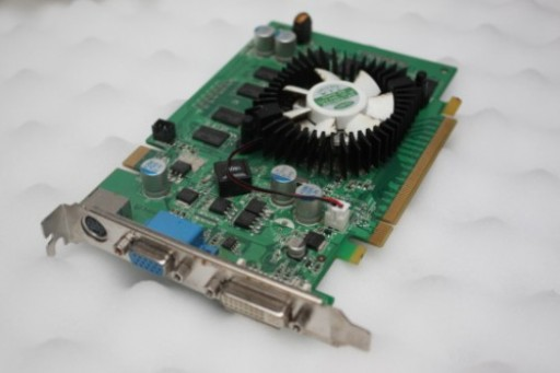 Inno3D GeForce 8600 GT 512MB DDR2 PCI-Express VGA DVI TV-out HDCP Graphics Card