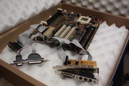 PCChips M577 Socket 7 ISA PCI AGPpro AT/ATX Motherboard