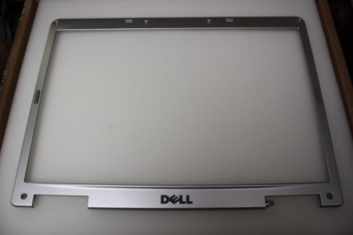 Dell Inspiron 6400 LCD Screen Bezel NF882 0NF882