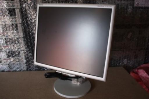 17-inch NEC MultiSync 1770NX DVI Active LCD TFT Monitor
