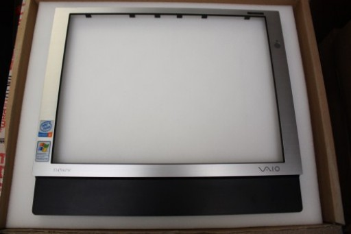 Sony Vaio PCV-V1/G All In One PC LCD Screen Bezel Frame 4-671-743