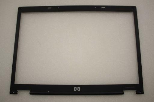 HP Compaq nx8220 LCD Screen Bezel 6070A0096901